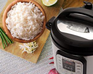 Cómo cocer al vapor alimentos con una arrocera