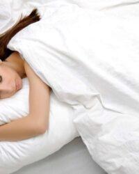 Mejores posturas de yoga para dormir más rápido